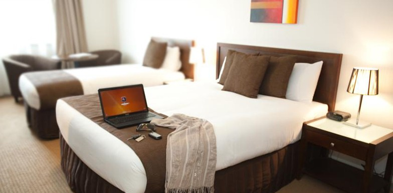 Deluxe Room with King & Queen Size Beds, Horsham International Hotel
